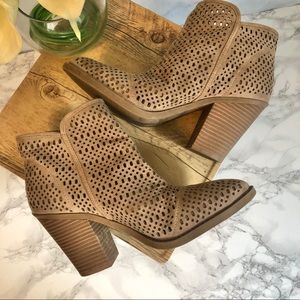 Esprit Kay Perforated Ankle Boots Size 9